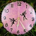 Tündér óra, Ékszer, Otthon, lakberendezés, Karóra, óra, Falióra, óra, Gravírozott, festett üvegóra, hangtalan, akasztós óraszerkezettel.  Átmérő: 21 cm, Meska
