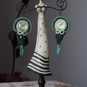 Pillangó sujtás fülbevaló, Ékszer, Fülbevaló, Egy igazán különleges darab, egy vintage stílusú üveg kabosonnal a közepén. Ez az egyetlen d..., Meska