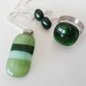 AKCIÓS Zöld csillámos pici üvegékszer szett, Ékszer, óra, Ékszerszett, Fülbevaló, Gyűrű, Zöld árnyalatú üvegekből készítettem ezt a szettet olvasztásos technikával. Egyszínű csil..., Meska