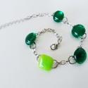 Smaragd-lime üveg karkötő, Ékszer, Karkötő, Élénk zöld és áttetsző smaragdzöld üvegből olvasztottam kis bogyócskákat, amiket láncra fűztem fel. ..., Meska