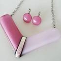Rózsaszín elegancia üveg nyakék szett, Ékszer, óra, Ékszerszett, Medál, Gyűrű, Különböző színű üvegekből készítettem ezt  a szettet olvasztásos technikával. A nyakék ..., Meska