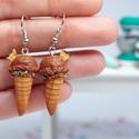 Csoki Fagyi fülbevaló, Ékszer, Mindenmás, Fülbevaló, Egyedi elképzelés alapján, Művészkerámiából készítettük el ezt az csoki fagyi fülbevalót. Ha szeretn..., Meska