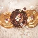Arany virágos hajdekoráció, Esküvő, Hajdísz, ruhadísz, Esküvői ékszer, Arany és csokoládé barna, kristályos, gyöngyös. A dekoráció teljes mérete 9x10 cm Banáncsa..., Meska