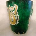 Zöld arany - Egyedi darab, Konyhafelszerelés, Bögre, csésze, Egyedi teás bögre, mintája magyar szűrmintázat. Anyaga porcelán, porcelánfestékkel és kontúrfestékke..., Meska