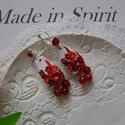 Piros- fehér virágos fülbevaló , Ékszer, óra, Esküvő, Fülbevaló, Esküvői ékszer, (Ékszergyurmából) Hossza 6 cm (a felső fém virágtól az alsó gyöngyökig), kereszt átmérője kb. 2 cm. ..., Meska