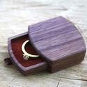 Gyűrűtartó doboz - Anais,  A terjedelmes és meglehetősen nyilvánvaló hag...