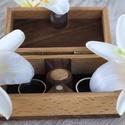 Gyűrűtartó doboz esküvőre_ Kozett , Esküvő,  A terjedelmes és meglehetősen nyilvánvaló hagyományos gyűrűdoboz már régóta esedékes az újratervezé..., Meska
