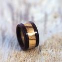 Fa gyűrű - Olajfa és vörös szív, Ékszer, Esküvő, Gyűrű, Esküvői ékszer, Elegáns, egyedi és különleges fa gyűrű.  A gyűrű szélei vörös szívből készült, a közepe pedig olajfá..., Meska