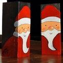 fa mikulás, Dekoráció, Ünnepi dekoráció, Karácsonyi, adventi apróságok, Karácsonyi dekoráció, Famegmunkálás, Népi játék és hangszerkészítés, 46x46x123mm lazúrozott fenyő hasábra kézzel festettem mikulást. Minőségi akril festékkel, így jól t..., Meska
