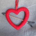 Cupido nyílával átlőtt szív , Otthon & Lakás, Dekoráció, Falra akasztható dekor, Mindenmás, A 33 cm-es nyíllal átlőtt szerelmes szív kedves ajándék lehet Valentin napra, születésnapra vagy ak..., Meska