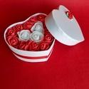 Szív alakú díszdoboz, Otthon & Lakás, Dekoráció, Díszdoboz, Mindenmás, Egyszerű de kedves figyelmesség lehet Valentin napra ez a szalaggal díszített szív alakú papírdoboz..., Meska