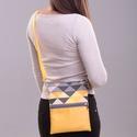 Háromszög mintás, sárga válltáska, Táska, Válltáska, oldaltáska, A táska három réteg anyagból készült: külső, műbőrrel kombinált vászon, közbélés, ví..., Meska
