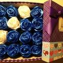 Nagyméretű szatén rózsadoboz, Esküvő, Dekoráció, Helyszíni dekor, Virágkötés, Mindenmás, A nagyméretű rózsadoboz remek ajándék lehet anyák napjára, névnapokra, esküvői díszletekhez. A rózs..., Meska