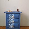 Greek blue - fiókos kis komód, éjjeliszekrény, Bútor, Komód, A görög házak spelettáinak kékje ihlette ezt a kis szekrénykét. Festett cementlap mintával, ..., Meska