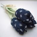 (3db )TEXTIL TULIPÁN csokor (kékfestő), 3db sötétkék alapon apró fehér virágos tulip...