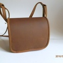 bőrtáska, Táska, Válltáska, oldaltáska, Zsíros bőrből készült táska.Színe barna.Mérete:hossza:16.5cm,magasság:14cm,vastagsága:4cm,..., Meska