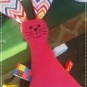 Pinki, a Nyúl- morzsolgató játék, alvóka 0,5-3 éves korig, Játék, Játékfigura, Pinki, a Nyúl- morzsolgató játék, alvóka 0,5-3 éves korig  Anyaga: dupla rétegű pamut, tölt..., Meska
