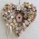 Vintage tavaszi kopogtató, szív alakú, madárkákkal , Otthon, lakberendezés, Dekoráció, Esküvő, Ajtódísz, kopogtató, Virágkötés, Kedves, vidám tavaszi kopogtató, ajtó- vagy falidísz pasztell színekben romantikus, álmodozó vevőkn..., Meska