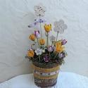 Tavaszi kert – nyuszis virágos kaspó, asztaldísz , Húsvéti díszek, Otthon, lakberendezés, Dekoráció, Asztaldísz, Vidám, tavaszi asztaldísz természetes anyagokból a jó időt és a nyuszit várva. Festett, antikolt fém..., Meska