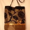 Különleges taft, Táska, Válltáska, oldaltáska, Flokkolt taft anyagból készült különleges táska, fonott bőr füllel. 4 rekeszes belsőzsebbel, mágnesz..., Meska