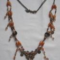 Pillangós, Ékszer, óra, Nyaklánc, Különféle gyöngyökből, pillangós medállal és antikolt réz alkatrészekből készült egyedi nyaklánc. Ho..., Meska