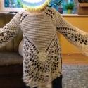 Kézzel horgolt, vintage kislány csipke felső, Baba-mama-gyerek, Ruha, divat, cipő, Gyerekruha, Kisgyerek (1-4 év), Kézzel horgolt csipke felső. A képen a modell két és fél éves, 104-es ruhákat hord. A felsőt kiterít..., Meska