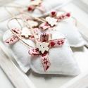 Karácsonyi filc szívek, Dekoráció, Ünnepi dekoráció, Karácsonyi, adventi apróságok, Karácsonyfadísz, 7db kézzel varrt karácsoyi filc szívecske. Kb. 6cm-esek. Az ár egy csomagra vonatkozik., Meska