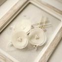 Virágos menyasszonyi hajtűk, Esküvő, Hajdísz, ruhadísz, Mindenmás, 3db ekrü, gyöngyös hajtű. Fehér színben is kérhető., Meska