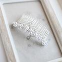 Menyasszonyi hajfésű, Esküvő, Esküvői ékszer, Menyasszonyi ruha, Hajdísz, ruhadísz, 7cm-es alapon gyönggyel díszített , Meska