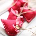 Karácsonyi  filc szívek, Dekoráció, Ünnepi dekoráció, Karácsonyi, adventi apróságok, Karácsonyfadísz, 7db kézzel varrt karácsonyi filc szívecske. Kb. 6cm-esek. Az ár egy csomagra vonatkozik., Meska