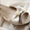 Brossos alkalmi cipőklipsz, Esküvő, Hajdísz, ruhadísz, Esküvői ékszer, Cipő, cipőklipsz, A cipő elejére és oldalára is felhelyezhető. 1 pár, Meska