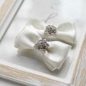 Ekrü alkalmi cipőklipsz, Esküvő, Hajdísz, ruhadísz, Esküvői ékszer, Cipő, cipőklipsz, A cipő elejére és oldalára is felhelyezhető. 1 pár, Meska