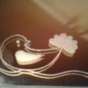 Hatszögletű, bronzszínű gravírozott tükör, Otthon, lakberendezés, Kaspó, virágtartó, váza, korsó, cserép, Kézzel gravírozott hatszögletű bronzos szinezetű tükör kézzel gravírozott virágos motívum..., Meska
