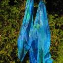 Kék-zöld, egyedi tervezésű, kézzel festett színkeverék mintás selyem stóla, Ruha, divat, cipő, Kendő, sál, sapka, kesztyű, Sál, Kiváló minőségű anyagból és különleges festékkel készített egyedi tervezésű, különlegesen szép színv..., Meska