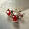 Vörös achát ezüst bedugós fülbevaló, Ékszer, óra, Fülbevaló, Bedugós fülbevaló 6 mm nagyságú csiszolt vörös achát gyöngyökből, ezüst ékszerdrótból. Jelzett sterl..., Meska
