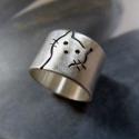 Cica ezüst gyűrű (széles, matt), Ékszer, óra, Gyűrű, Gyűrű egyedi tervezésű cica mintával, Sterling ezüstből. Fűrészelt, hajlított, mattra csiszolt.   Mé..., Meska