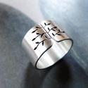 Tavaszi fa ezüst gyűrű (széles, szatén)
