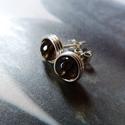 Füstkvarc ezüst bedugós fülbevaló, Ékszer, Fülbevaló, Bedugós fülbevaló 6 mm nagyságú csiszolt füstkvarc gyöngyökből, ezüst ékszerdrótból. Jelzett sterlin..., Meska