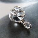 Hegyikristály ezüst medál, Ékszer, Medál, Nyaklánc, Pici, egyszerű medál ezüst drótból és egy hegyikristály gyöngyből.  Lánc nélkül. (De ha szeretnél ho..., Meska