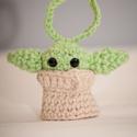 """Baby Yoda horgolt dísz, Játék & Gyerek, Plüssállat & Játékfigura, Horgolás, Varrás, A nagysikerű Mandalorian sorozat """"sztárja"""", Baby Yoda. A  figura amigurumi technikával készült, 80 ..., Meska"""