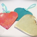 Kerámia szív, Dekoráció, Dísz, Ünnepi dekoráció, Kerámia, A szívecskéket vörös agyagból, lap technikával készítettem. Pasztellre mázaztam. A szívek mérete 7-..., Meska