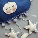 Felhő, holdacska, csillag függő, Baba-mama-gyerek, Játék, Gyerekszoba, Mobildísz, függődísz, Gyerekszobába. Gyapjúfilcből, kézi hímzéssel. Babaágy fölé. Dekorációként. Ajándékba is. Szeretettel..., Meska