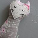 """Rózsás textil cica, Baba-mama-gyerek, Játék, Baba játék, Plüssállat, rongyjáték, Tilda design csodás textiljéből készült """"marokcica"""", aki szeret játszani, utazni, no és persze aludn..., Meska"""
