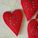 Karácsonyi szív szett, Dekoráció, Otthon, lakberendezés, Dísz, Koszorú, Piros, jó minőségű gyapjúfilcből készültek ezek a felakaszthatós kicsi szívek, melyeket szeretettel ..., Meska