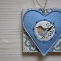 Kék madárdal, Dekoráció, Otthon, lakberendezés, Mindenmás, Dísz, Keresztszemes madárkás mintával díszítettem ezt a felakasztható szívecskét, melyet világoskék színű,..., Meska
