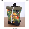 Serin dzsungle mintás hátizsák, Táska, Hátizsák, Egyéni hátizsák. A táska külseje vászon , hátul pedig erős zöld vászon . A külső anyag alatta pedig ..., Meska