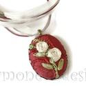 Rózsás nyaklánc szalaghimzéssel készített medállal, Ékszer, óra, Nyaklánc, Ékszerkészítés, Hímzés, Romantikus stílust kedvelőknek ajánlom ezt a nyakláncot,Korábban már kipróbáltam a szalaghímzést   ..., Meska