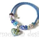 Pandora stilusú nyaklánc a kék árnyalataival, Ékszer, óra, Nyaklánc, Ékszerkészítés, Gyöngyfűzés, Japán zsinórfonaton sorakoznak  csiszolt pandora gyöngyök és strasszos köztesek.Saját készítésű, ap..., Meska