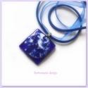 Kobaltkék márványos  medál, nyaklánc,üvegékszer organza szalagon, Ékszer, Nyaklánc, Medál, Meleg nyári estékre ajánlom ezt a hűvös hangulatú kobaltkék márványos  üvegékszert. A med..., Meska