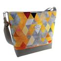Női Őszi vízálló utcai táska - Sárga és szürke háromszögek , Megálmodtam és elkészítettem :) Igazi vagány ...